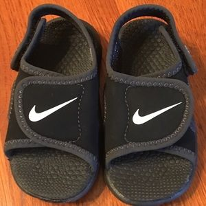 Nike Sunray Adjust 4 Toddler Boys sz. 6